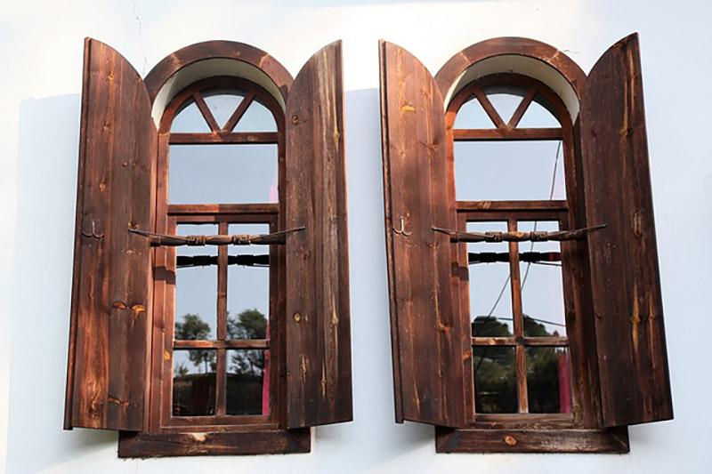 2つの開いた窓