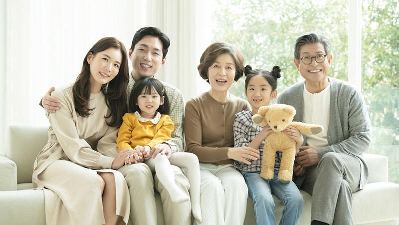 アルヒマガジンメインイメージ(家族写真)