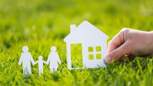 アルヒマガジンメインイメージ(住宅と家族の切り絵)